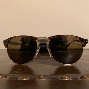 385b17877c70 Persol. Unisex sunglasses tortoise ...